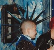 http://www.heypunk.de/heypunk/inhalt/ueberlebenskampf/iro-spikes.jpg